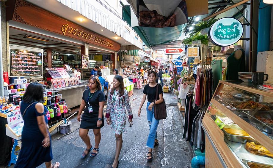 Wang Lang Market: Street Food und Shopping in Bangkok Noi