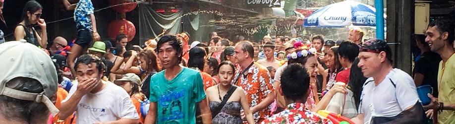 Thailändisches Neujahrsfest im April / Songkran
