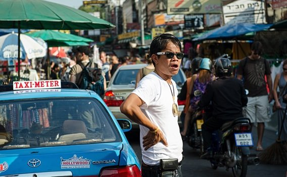 Taxifahrer auf Kundenfang in der Khao San Road